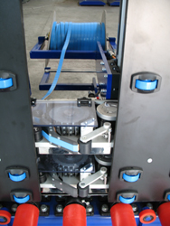 Spacer plugs automatic applicator